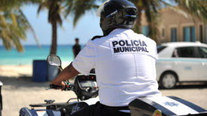 policia-playa-300×169